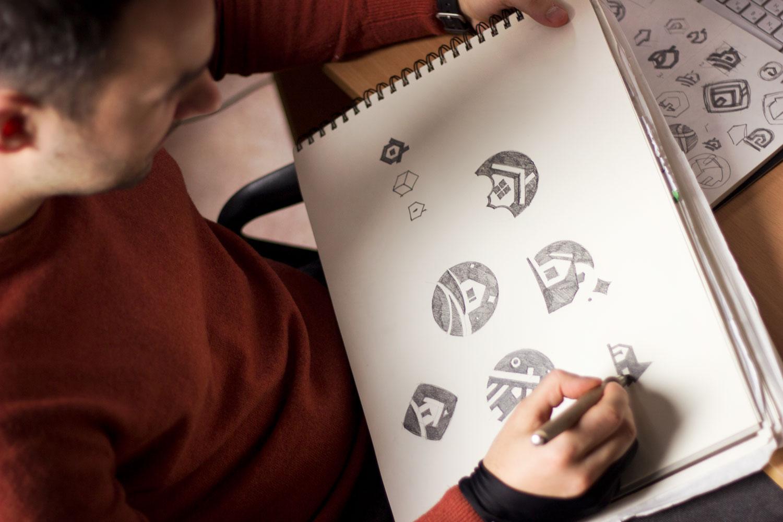Какие навыки необходимы для достижения успеха в графическом дизайне?
